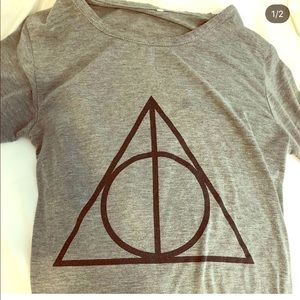 Tops - Deathly Hallows Harry Potter shirt